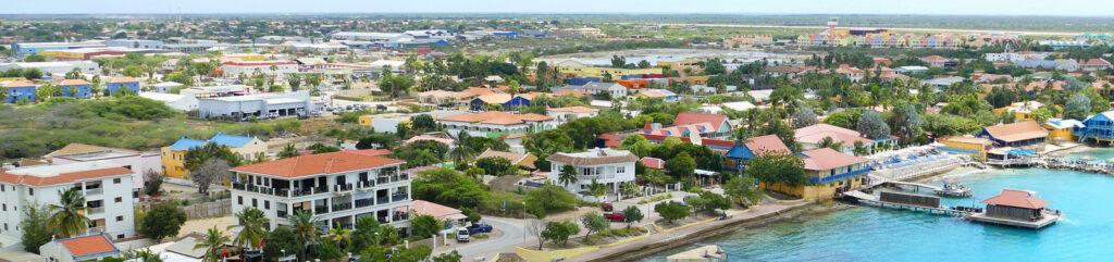 Kralendijk Bonaire vanaf de lucht
