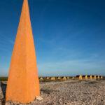 Obelisk en slavenhuisjes Bonaire